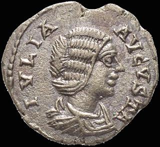 Римская империя. Юлия Домна, жена Септимия Севера. Денарий 206 г. RIC 551. Серебро