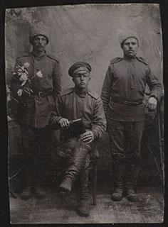 Групповая фотография военных
