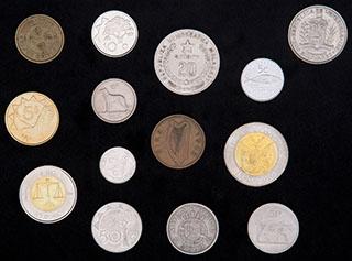 Лот из иностранных монет ХХ в. 14 шт.
