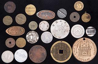 Лот из иностранных жетонов. 24 шт.