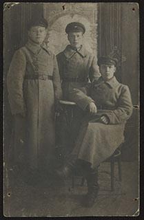 Групповая фотография красноармейцев. Почтовая карточка