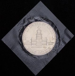США. 1/2 доллара 1976 г. «200 лет независимости США». Серебро. В оригинальной упаковке