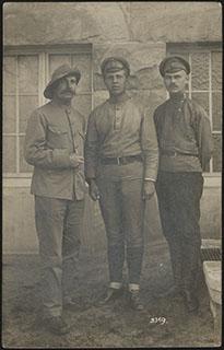 Фотография А.А. Алексеева, офицера 36-го артиллерийского парка, с сослуживцами. Почтовая карточка