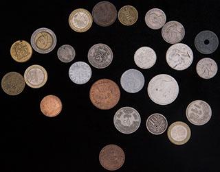 Лот из иностранных монет XX-XXI вв. 25 шт.