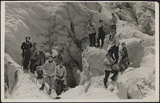 Групповая фотография альпинистов