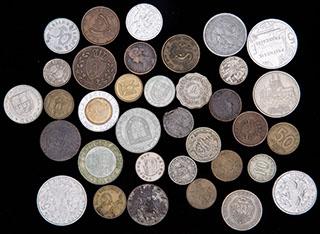 Лот из иностранных монет 1826-2005 гг. 35 шт.