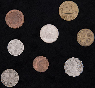 Лот из иностранных монет ХХ в. 8 шт.