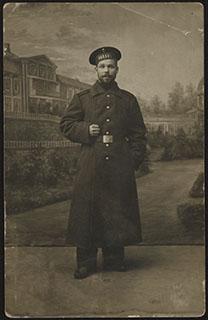 Фотография моряка с судна «Океан». Почтовая карточка